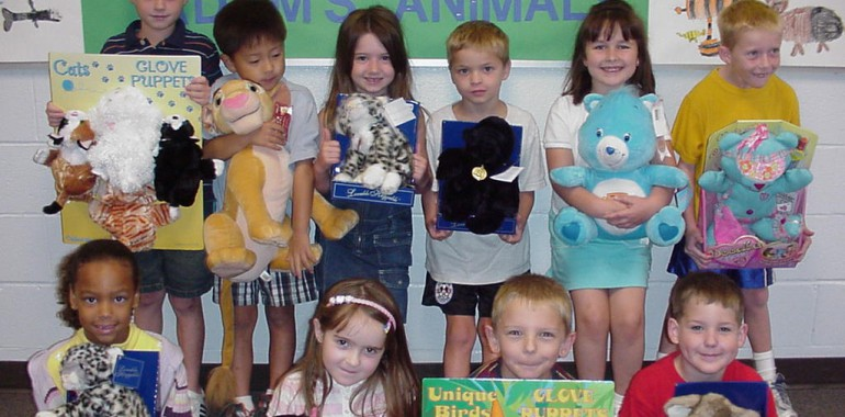 Aldridge Elementary School Students Collect 220 Stuffed Animals!